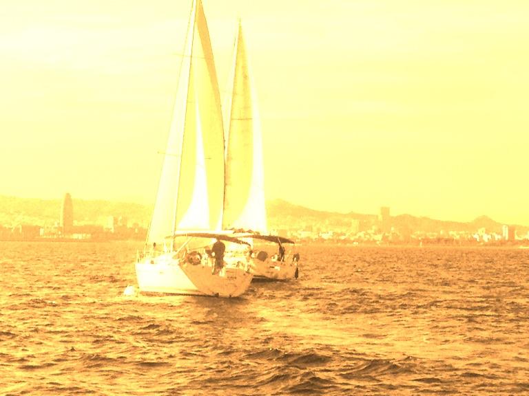 Paseo en velero Barcelona