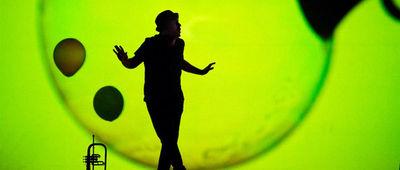 Medium_burbujas_de_papel_sevilla_teatro