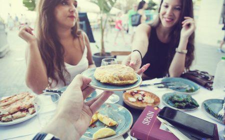 7-restaurantes-en-barcelona-para-comer-(muy)-bien-y-barato