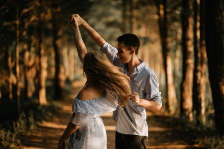 academia-en-barcelona-para-aprender-a-bailar-con-tu-pareja